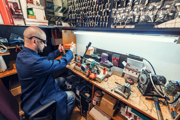 The 26 Essential Locksmith Tools Every Technician Must Have – Workiz